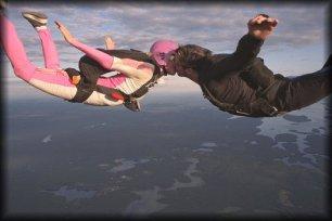 skydiving-wedding